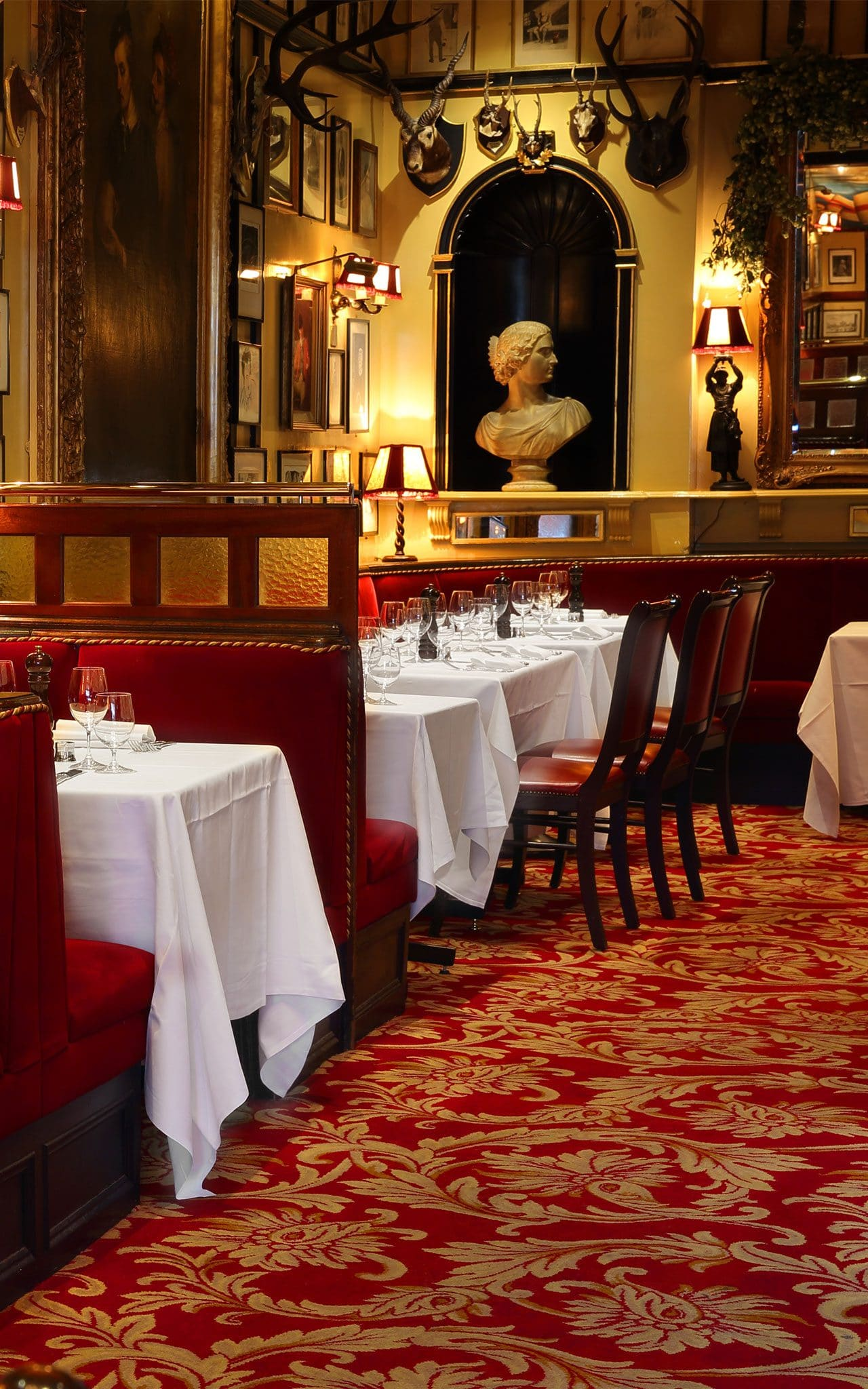 In Our Classics Revisited Series We Review London S Best Established Luxury Restaurants Rules Restaurant